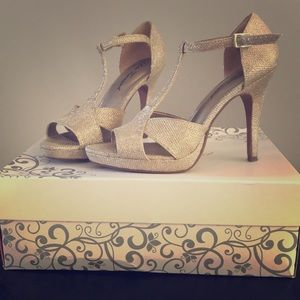 Lulu Townsend Gold Pumps/7.5